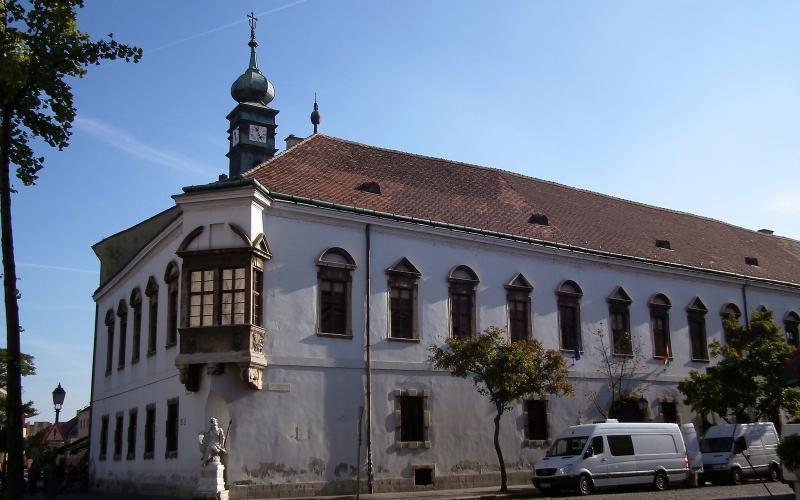 Folytatódik a régi Budai Városháza rekonstrukciója