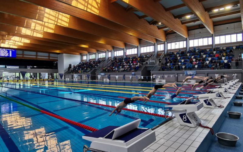 Kipróbálták a versenyuszodát a Csik Ferenc emlékverseny úszói