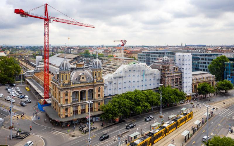 A tervezett tempóban halad a Nyugati pályaudvar felújítása